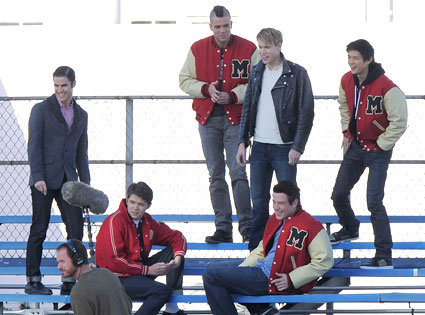 A Proposal A Michael Jackson Tribute And New Family Members Glee